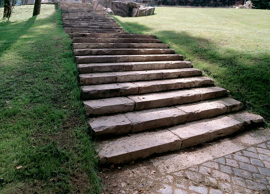 заказать лестницу из архитектурного бетона
