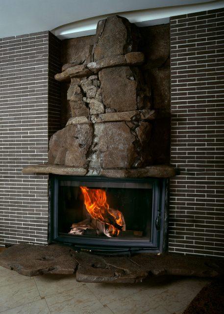 Авторский камин из архитектурного бетона