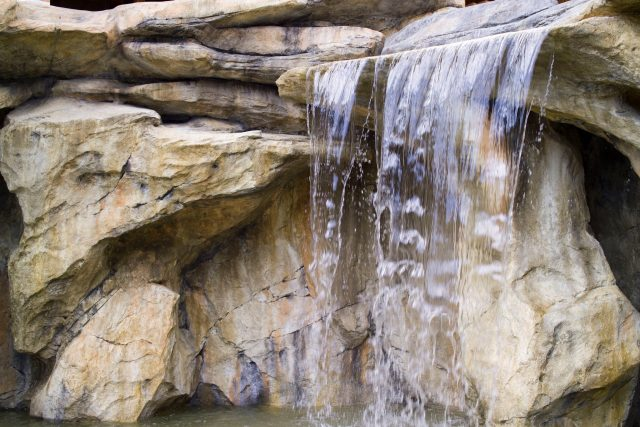 Строительство водопада из камней