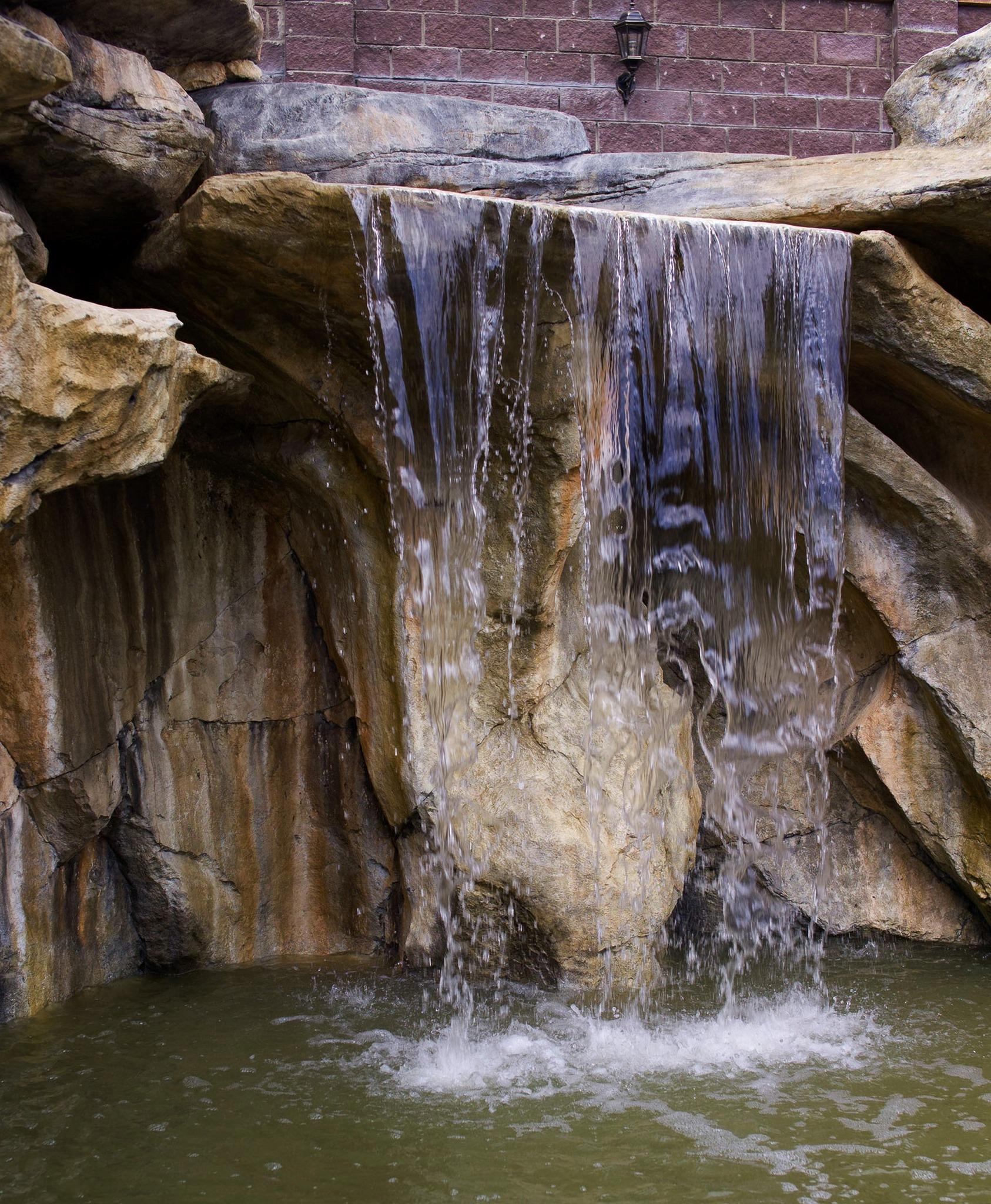 Искусственные декоративные водопады