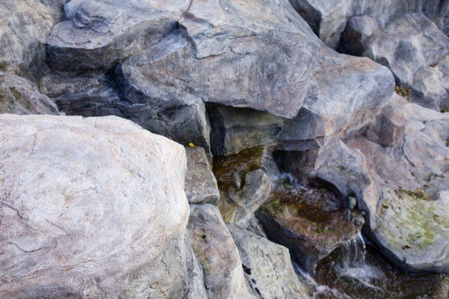 Водопад из декоративного камня