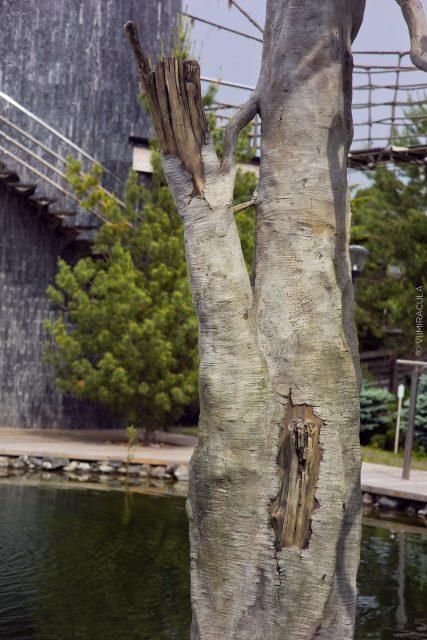 Опоры в виде искусственных деревьев