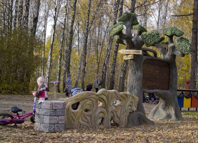 Композиции из искусственных деревьев