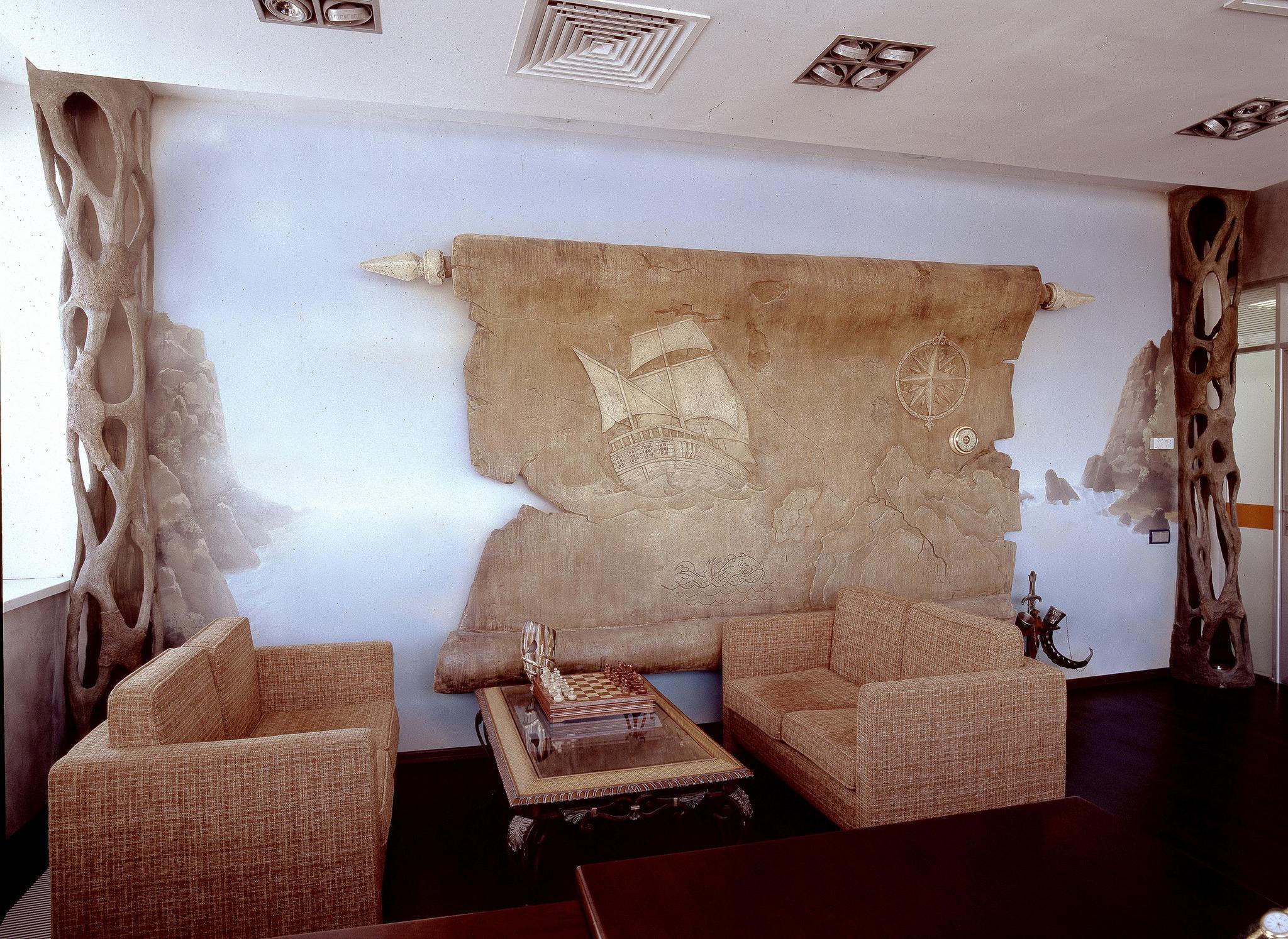 Каменное панно в оформлении офиса
