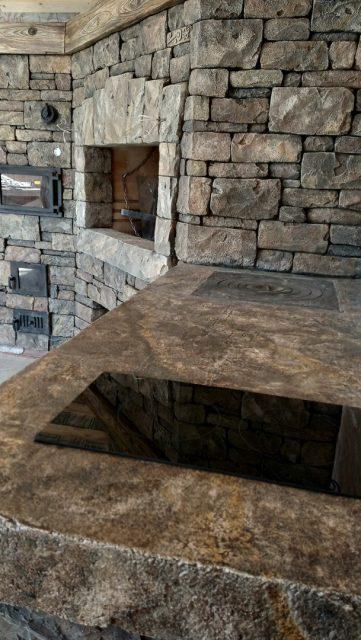 Каменная столешница с варочной панелью