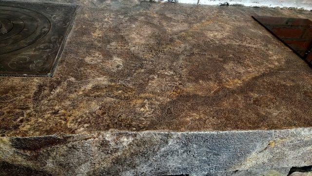 Массивная столешница из искусственного камня