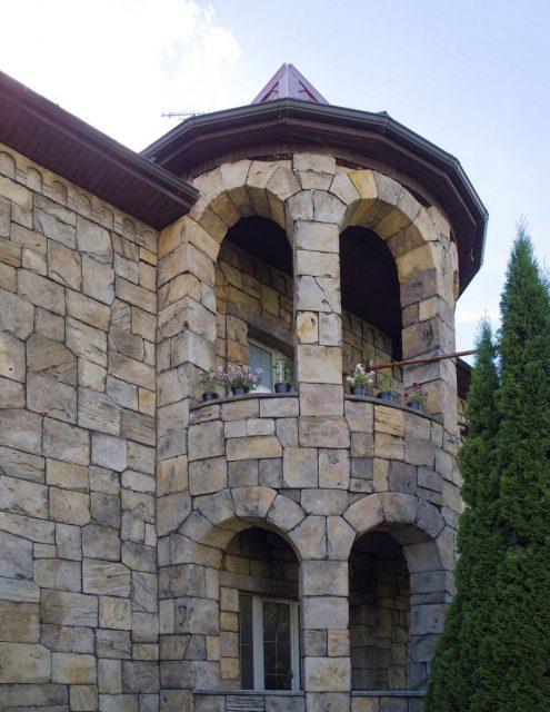 Необычная отделка балкона