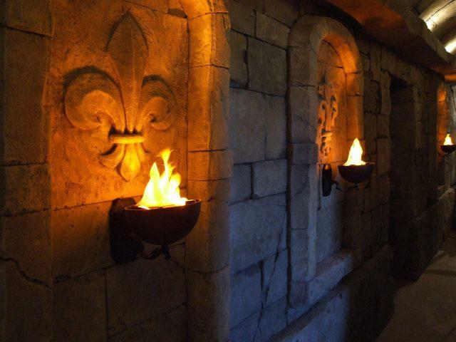 Внутренняя отделка коридора камнем