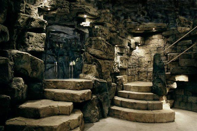 Отделка интерьера камнем