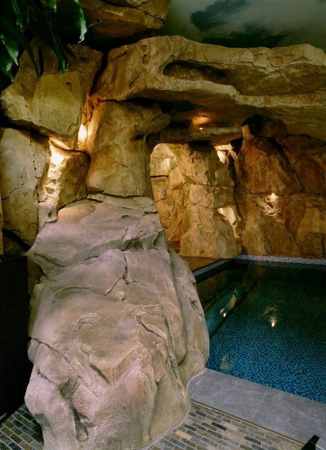 Отделка бассейнов камнем