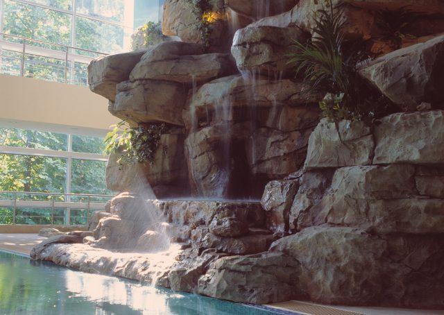 Оформление искусственного водопада