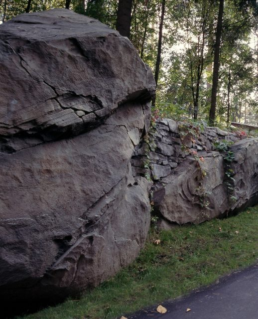 Комбинирование скал и камней
