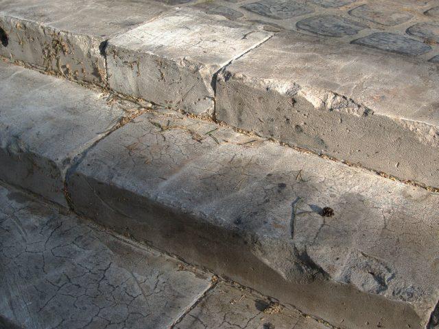 Отделка лестницы из бетона