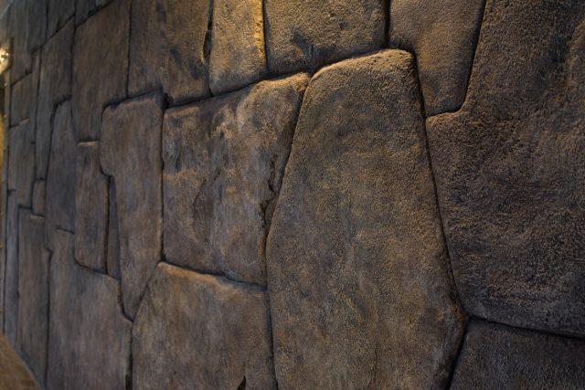 Фото отделки бассейнов камнем