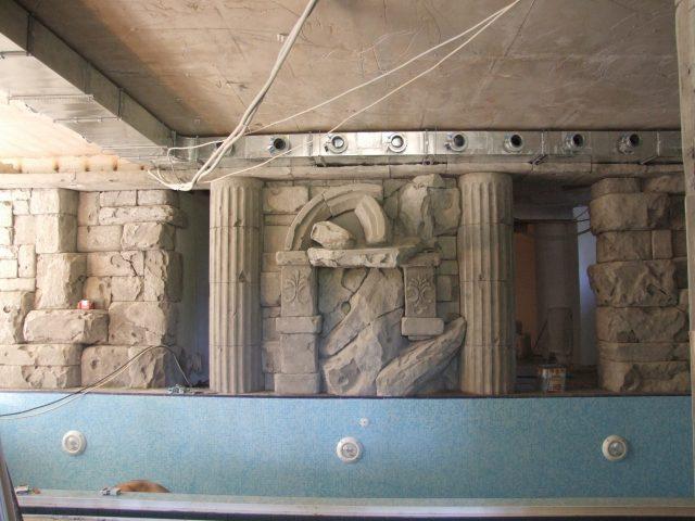 Отделка стен помещения бассейна