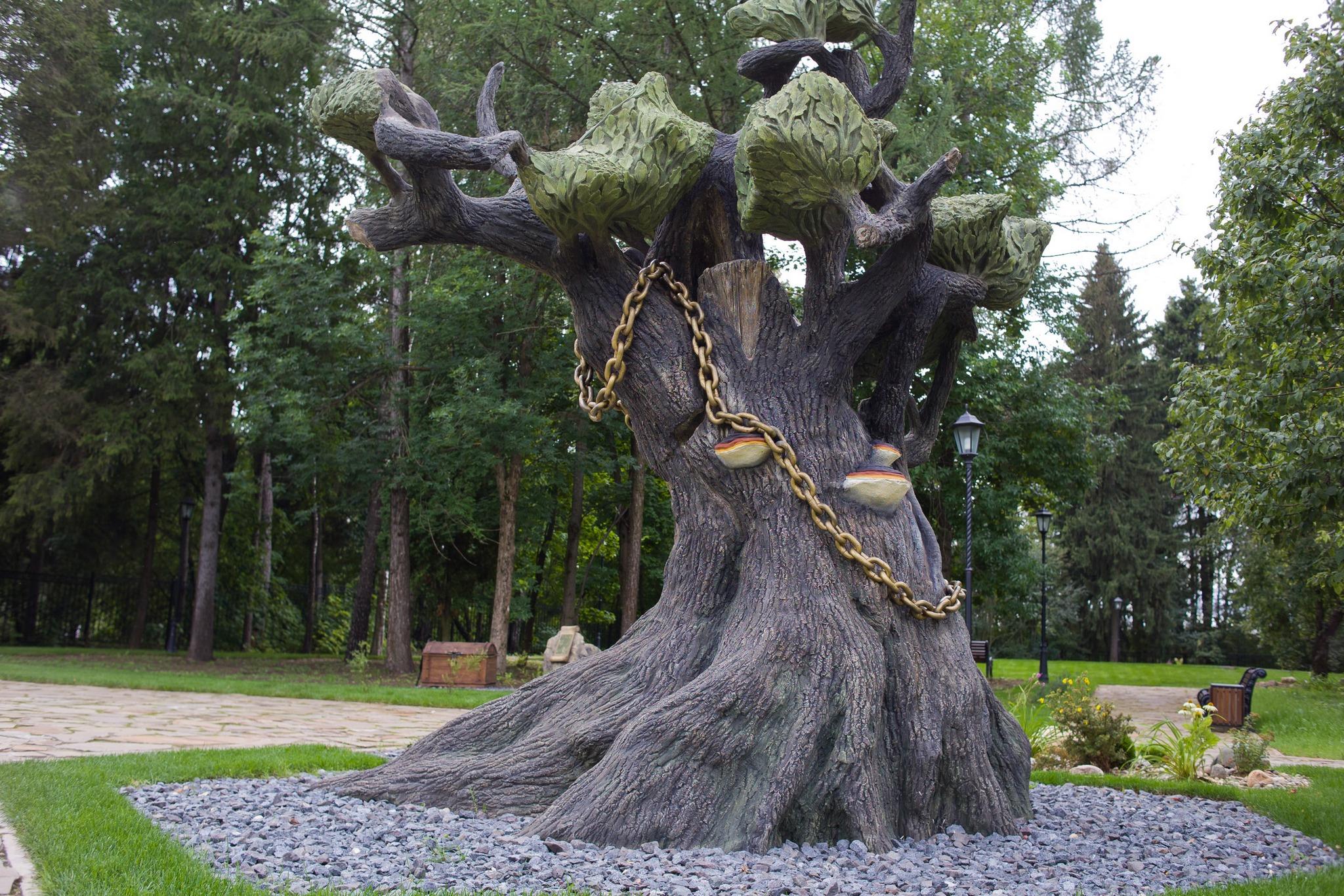 Дерево из архитектурного бетона